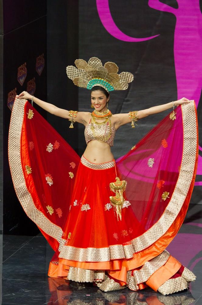 Manasi Moghe at Miss Universe 2013 57